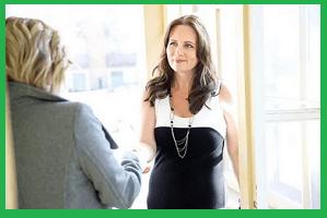 Begrüßung 2 Frauen Vorstellungsgespräch